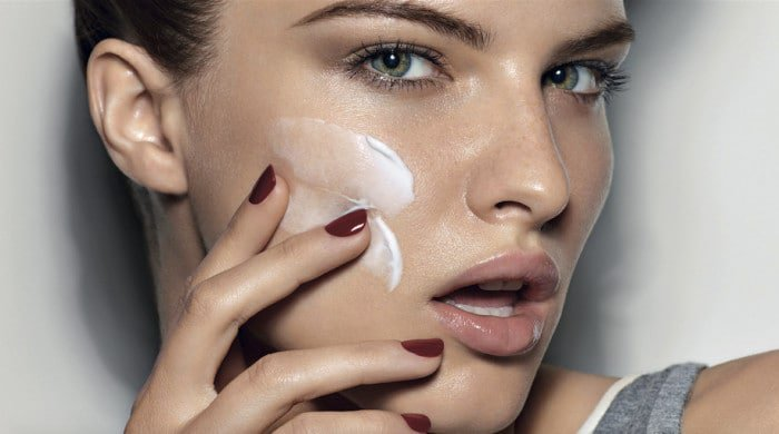 6-Things-Thatll-Happen-To-Your-Skin-If-You-Dont-Moisturise-copy-e1470838368710