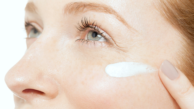 how-to-use-eye-cream-sm.jpg